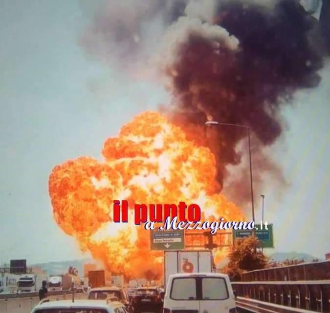Foto e video del disastro di Bologna, esplode cisterna carica di carburante. Morti e feriti