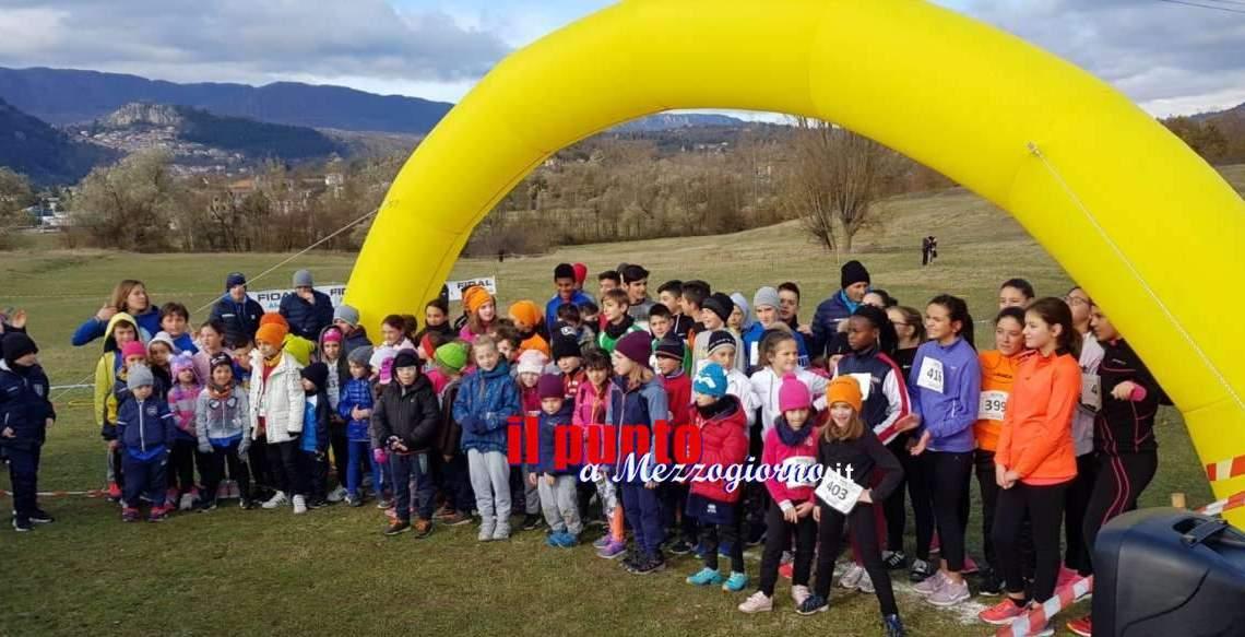 """Successo dei giovani Cus Cassino di atletica alla """"Due Comuni Cross Country"""" di Tagliacozzo"""