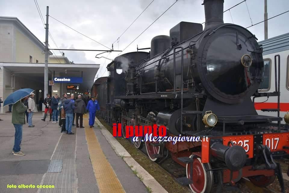 Cassino, un treno a vapore rievoca la prima linea ferroviaria, nel 1863, fra Roma e Napoli