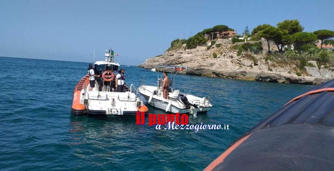 Ferragosto sicuro nel Golfo di Gaeta, Guardia Costiera soccorre trimarano e controlla spiagge