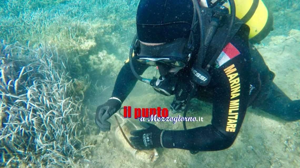 I palombari della Marina Militare rimuovono 4 ordigni inesplosi sui fondali a Palmarola