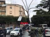 Velletri: si apre voragine ed inghiotte palo pubblica illuminazione
