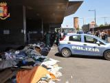 Roma – Armato di coltello semina il panico a Termini, agenti costretti a sparare per fermarlo