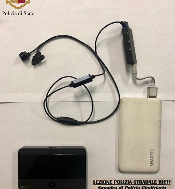 All'esame per la patente C con microcamera e auricolare, 42enne di Frosinone denunciato a Rieti