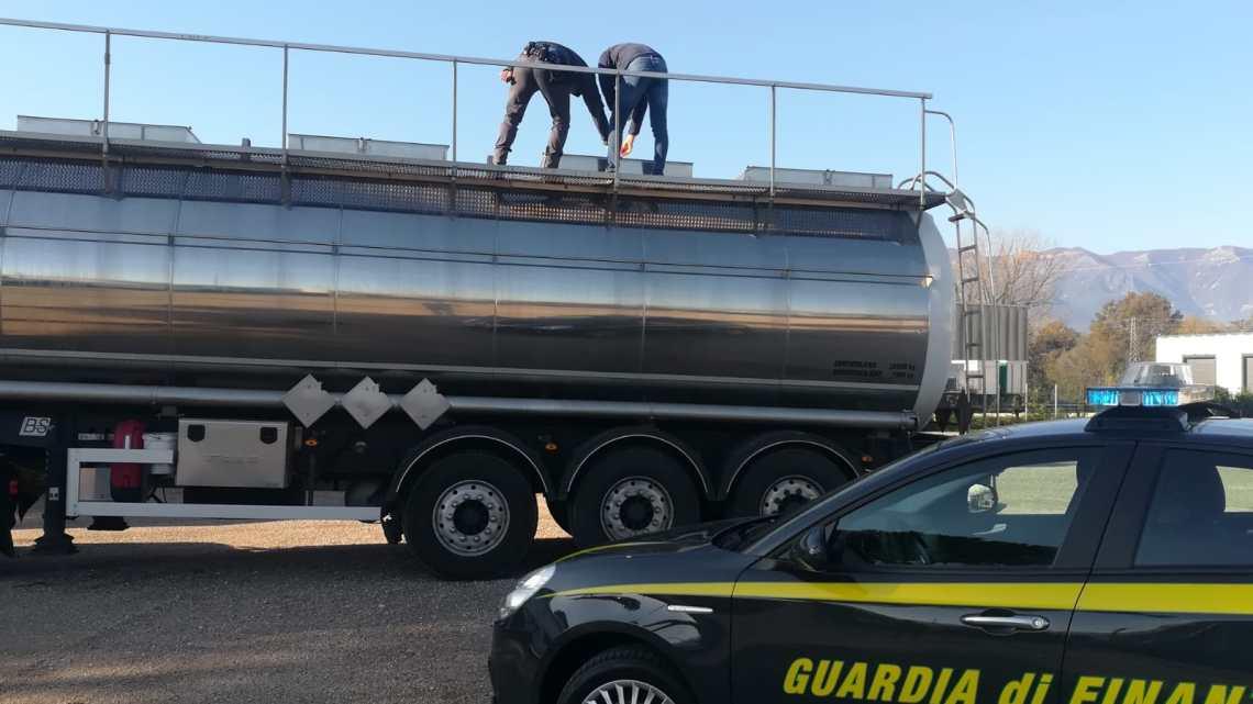 Cassino – Automobilisti in panne, sequestrati oltre 20mila litri di carburante annacquato