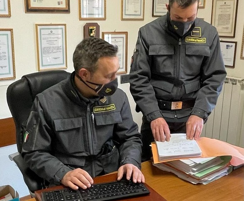 Alatri – Sequestrate 4mila mascherine non sicure