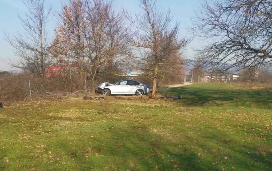 Frosinone: esce di strada nella notte e si schianta contro albero, morto 25enne