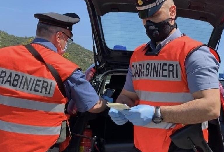 Scaraventa a terra e danneggia l'autovelox della municipale, denunciato 62enne a Forlì del Sannio