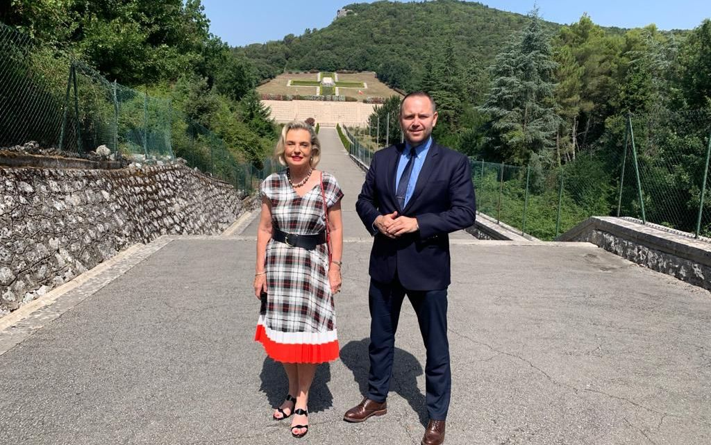 Nuovo presidente dell'Istituto polacco per la Memoria Nazionale Karol Nawrocki in visita al Cimitero Militare Polacco di Montecassino