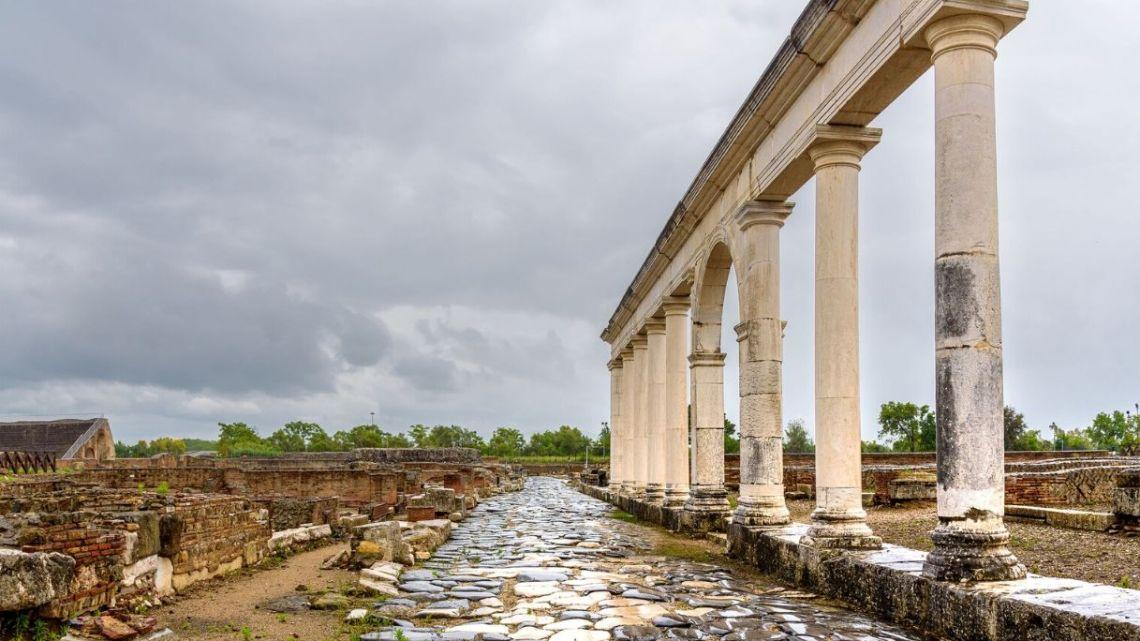Alla scoperta dei Musei d'Italia. Il TG2 riapre con  Minturnae e l'Appia Regina Viarum