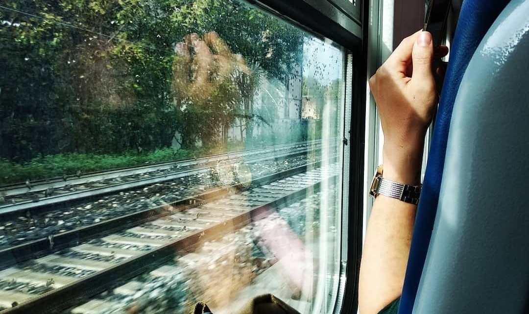 Violenza sessuale su 15enne sul treno per Civitavecchia, arrestato 34enne