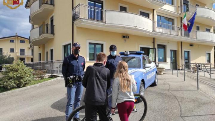 Rubano la bici rubata ad un tredicenne: la Polizia di Stato la trova e la riconsegna al proprietario