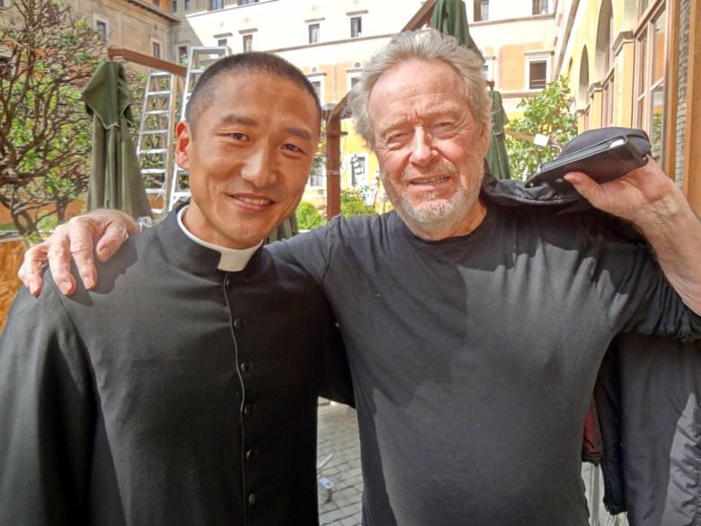 """Su set di """"The Vatican"""" con Ridley Scott"""