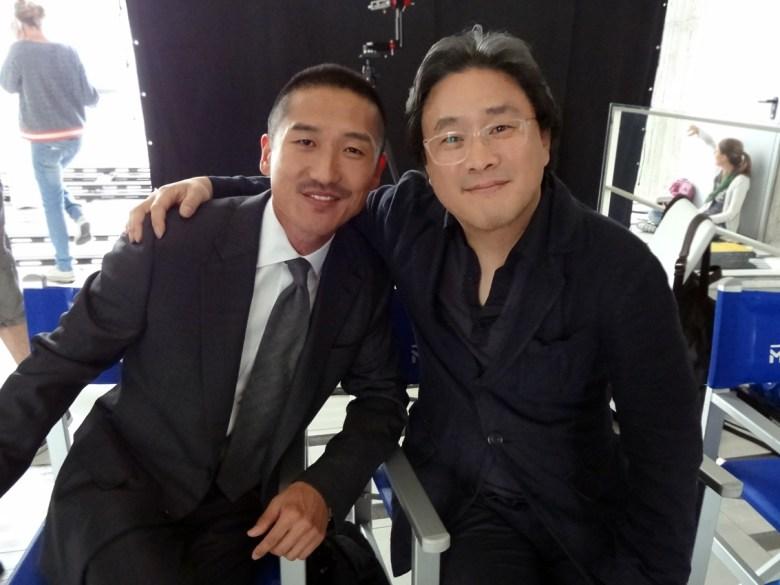 Sul set di A Rose Reborn con il regista Park Chan-wook