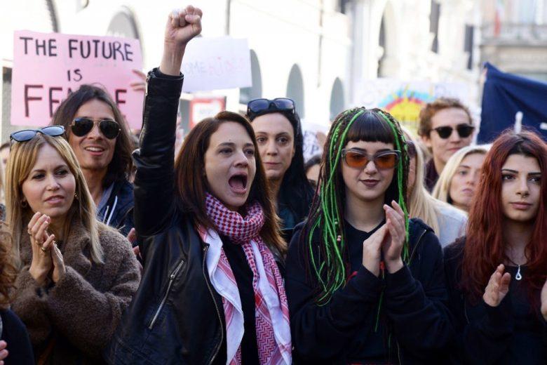 Manifestanti del movimento #Metoo