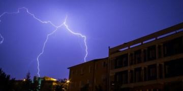 Tempesta elettrica su San Giovanni in Fiore - foto F.Leonetti