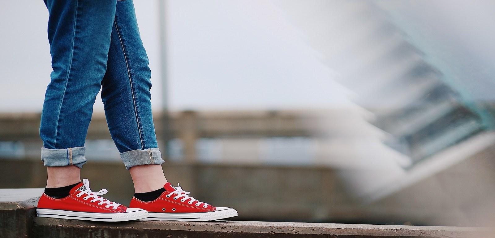 violenza domestica - scarpe rosse