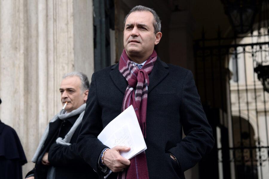 De Magistris decida: fa il sindaco o il candidato?