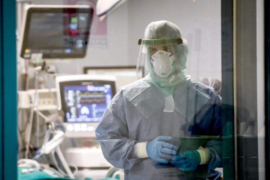 Coronavirus in Campania, 1.521 positivi e 55 morti: cala l'indice di positività