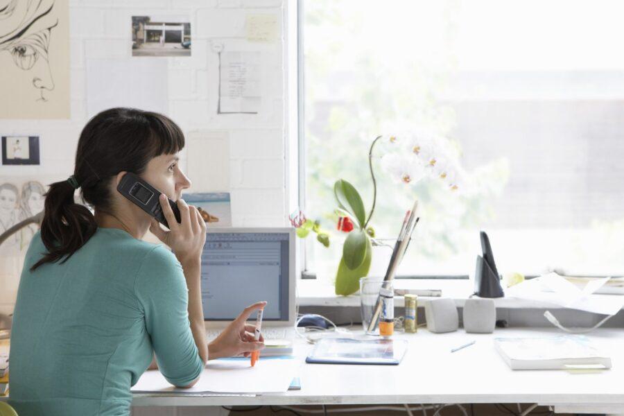Incrementare lo smart working alle donne: le famiglie sono allo stremo
