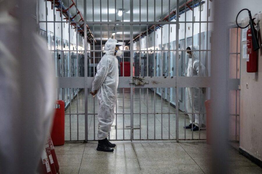 Poggioreale, arrivano i vaccini: ma le altre carceri?