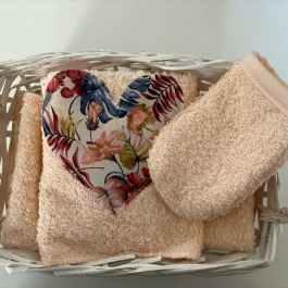 Cestino con 5 lavette e un guantino struccante