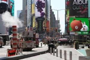 Auto sulla folla, paura a Times Square