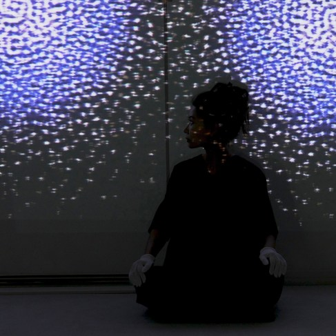 Jung Hee Choi working on her installation, Ahata Anahata, Manifest Unmanifest Udine, 2019. Il Suono in Mostra, galleria Spazioersetti, Udine, Italy, 2019. Photo: Lara Carrer Copyright © Jung Hee Choi 2019