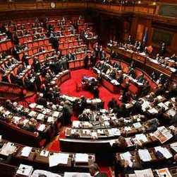 Centrodestra al 35,6%, Berlusconi davanti a Salvini