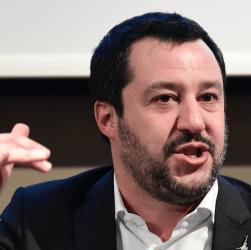 """Salvini: """"Basta veti, la pazienza è finita"""""""