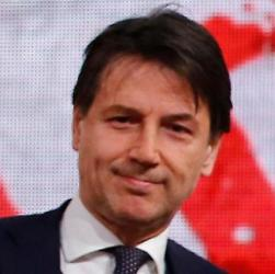 """Giuseppe Conte al lavoro: """"Confermo collocazione europea"""""""