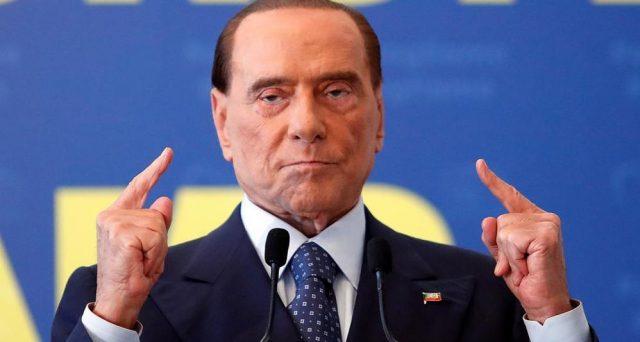 """Berlusconi: """"No fiducia a Cottarelli"""". Cala la Borsa e riparte lo Spread"""