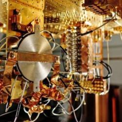 Computer quantistico batte PC: 3 minuti contro 10.000 anni
