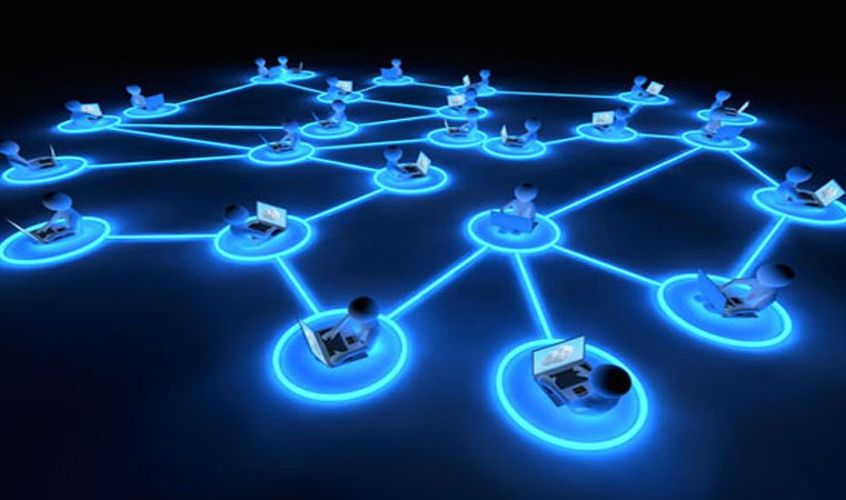 L'affidabilità dei social network non lascia scampo: Facebook e il colore ipnotico