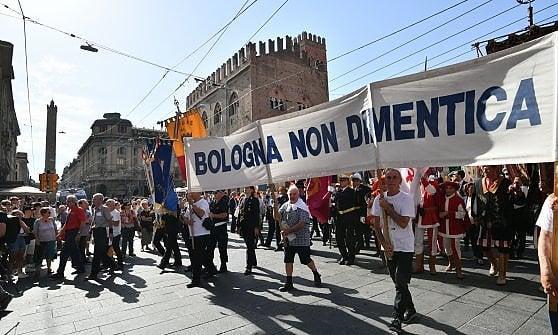 Anniversario dell'attentato di Bologna: il contesto e il pensiero dietro alla tragedia