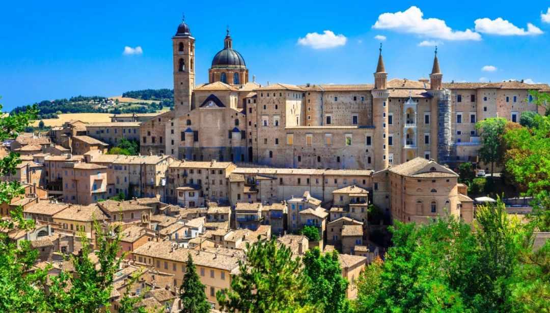Urbino eletta meta d'interesse mondiale per il 2020: scopriamo insieme la sua storia e Federico da Montefeltro