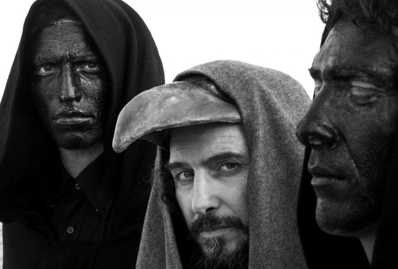 La peste: una piaga attuale raccontata da Albert Camus e Vinicio Capossela