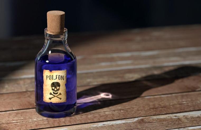 I 4 veleni più famosi di sempre, quali personaggi storici li hanno usati e come agiscono