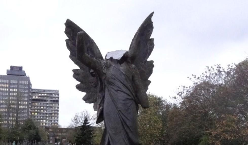 """Damnatio memoriae: Nietzsche spiega la distruzione delle statue attraverso la """"storia critica"""""""