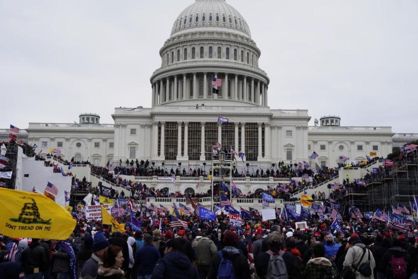 L'assalto al Campidoglio dei sostenitori di Trump ricorda un Colpo di Stato, venuto male