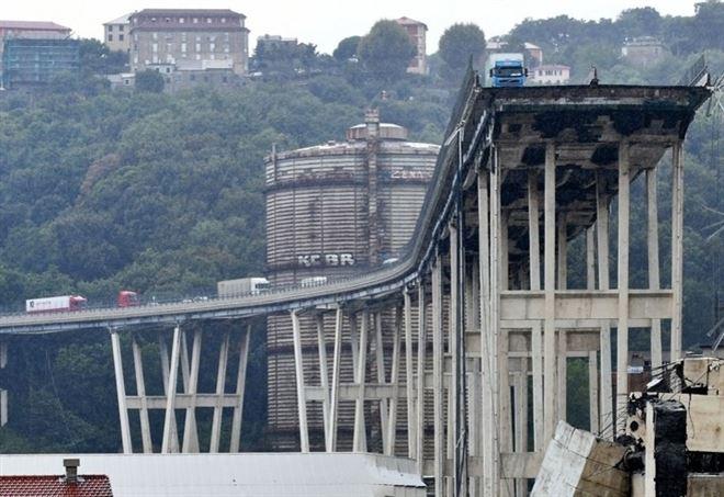 Genova, crollo ponte Morandi (LaPresse)