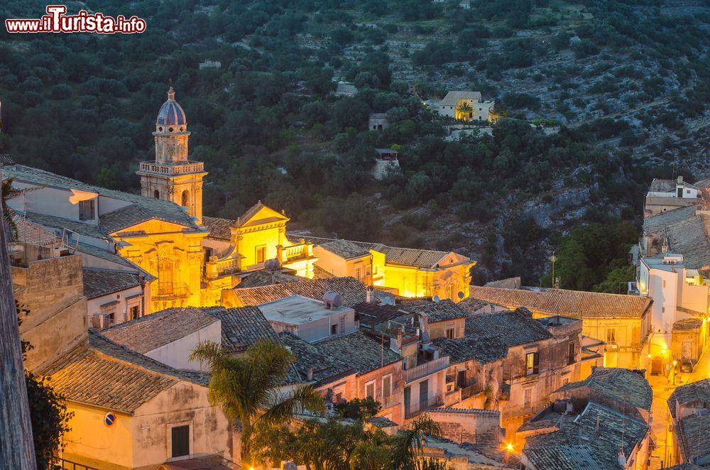 Panorama di Ragusa Ibla al tramonto Sicilia   Foto Ragusa