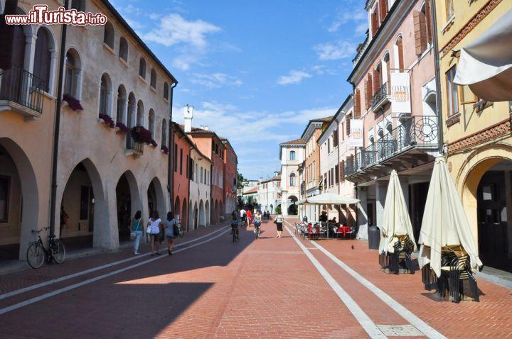 Portici in centro a Mestre   lornet    Foto Mestre