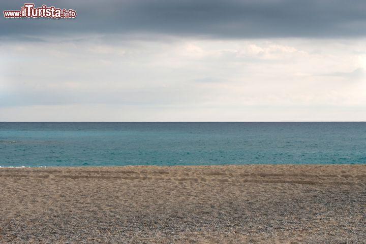 La spiaggia sabbiosa di Loano Liguria     Foto Loano