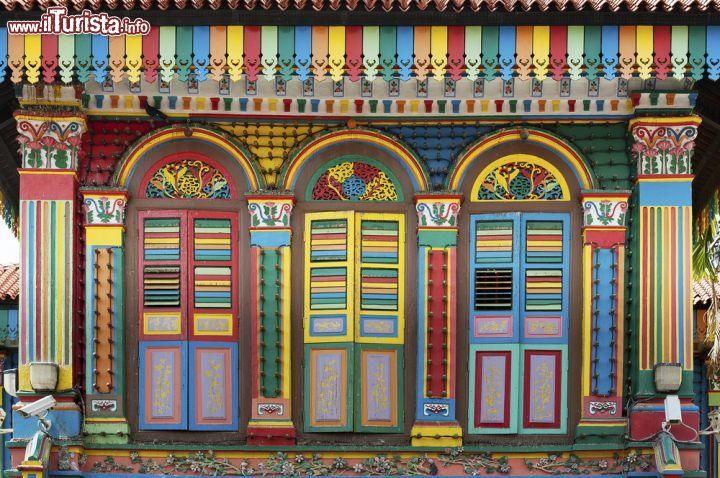 Le porte colorate di questa casa a Singapore   Foto Singapore Little India