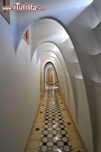 Corridoio Casa Batllo Guadi Barcellona  Foto Barcellona Casa Batll