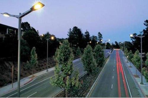 Luminarios tipo vial de alta especificación con grado de protección IP66. Foto: Lighting Master ©