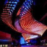 Más de 80 mil LEDs contiene la araña de luces más grande del mundo