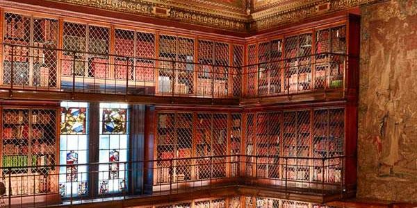 La biblioteca resguarda manuscritos de Balzac y Dickens, entre otros autores