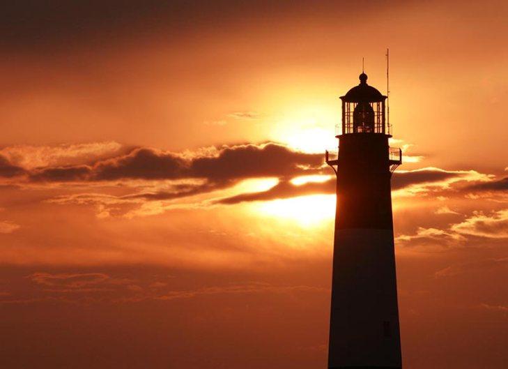 Lighthouse-2600x1888